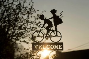 sign, bicycle, decoration-741813.jpg